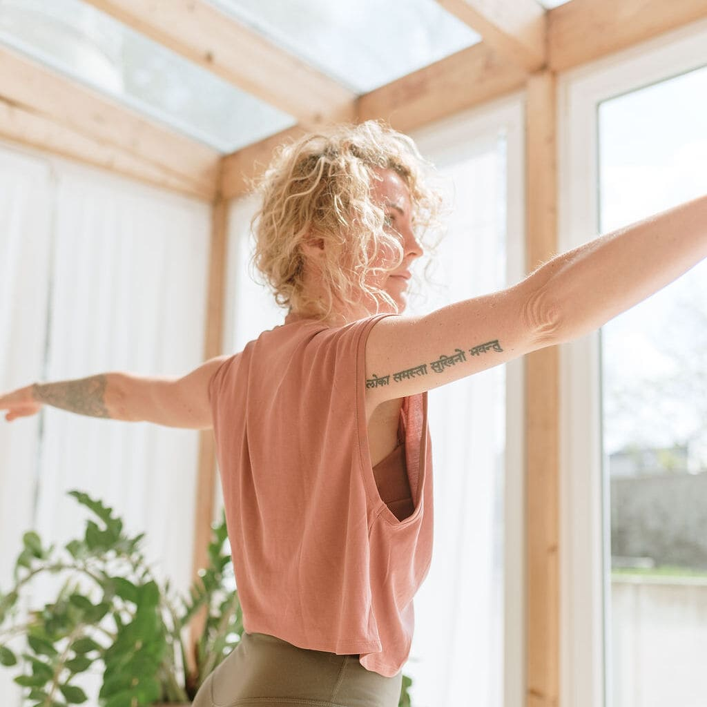 Freiluft-Yoga im Innenhof des Landesmuseum mit Sandra